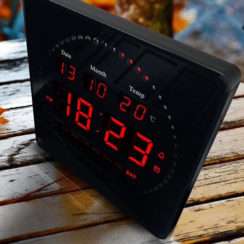8c81aca94ca Relógio De Parede Led Digital com Termômetro Alarme e Data 28cm x 28cm